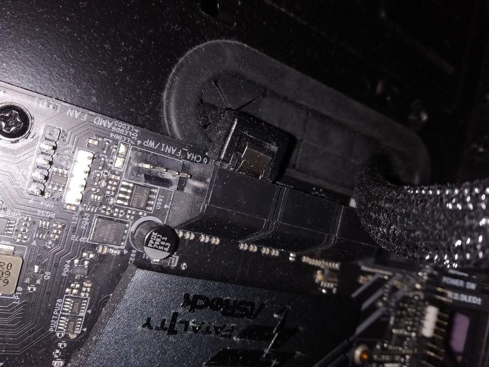 Come assemblare un PC - Hard disk