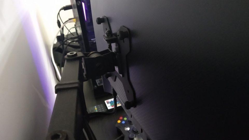 doppio-schermo-montaggio